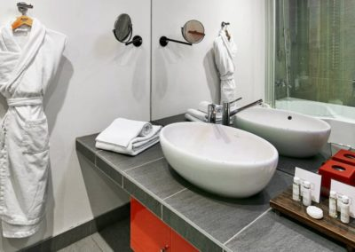 Mamaison Hotel Pokrovka Moscow_Junior suite deluxe bathroom_1360x680