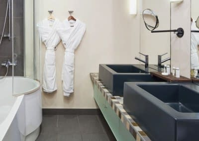 Mamaison Hotel Pokrovka Moscow Two-bedroom Executive Suite Bathroom2